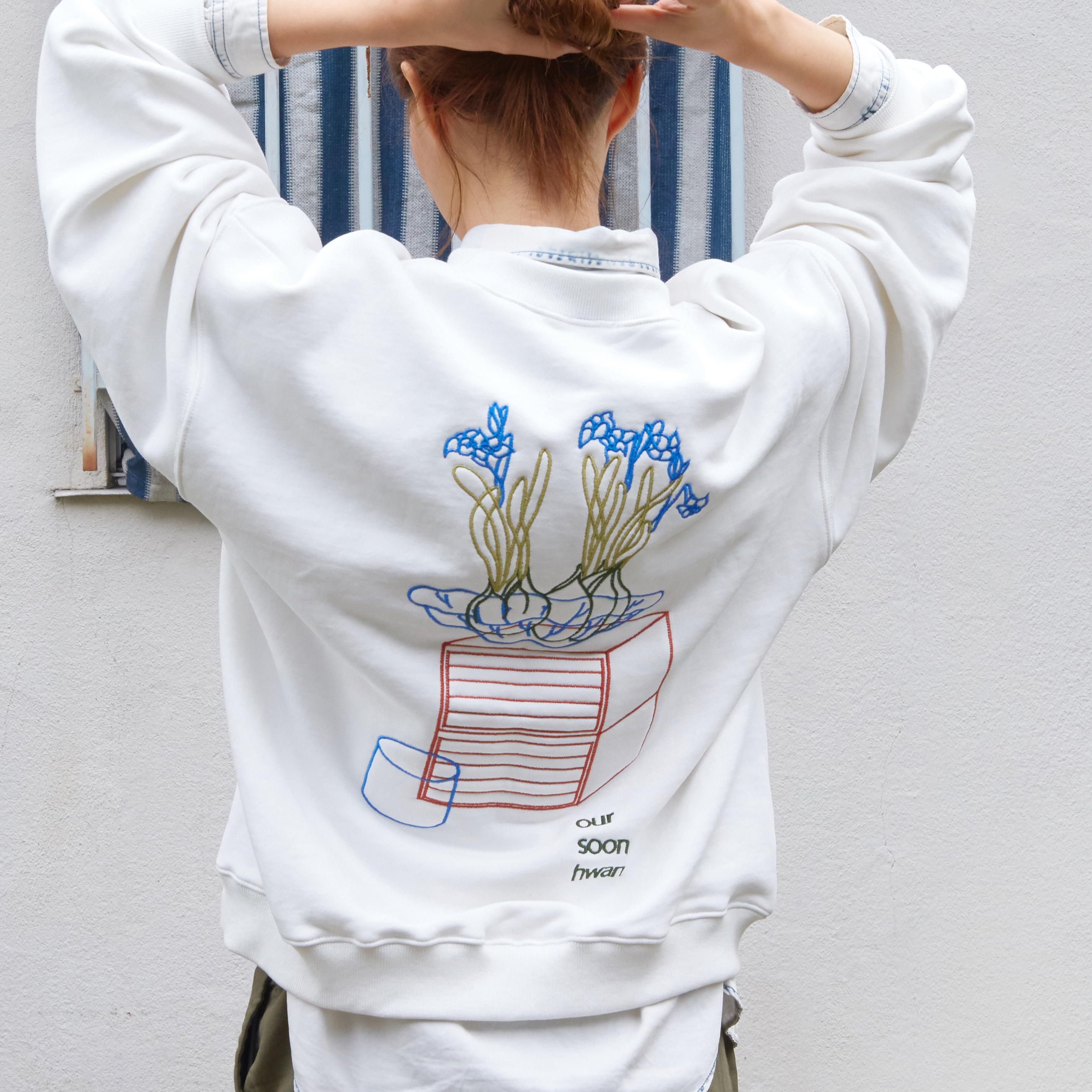 'our mtm' sweat shirt (white)