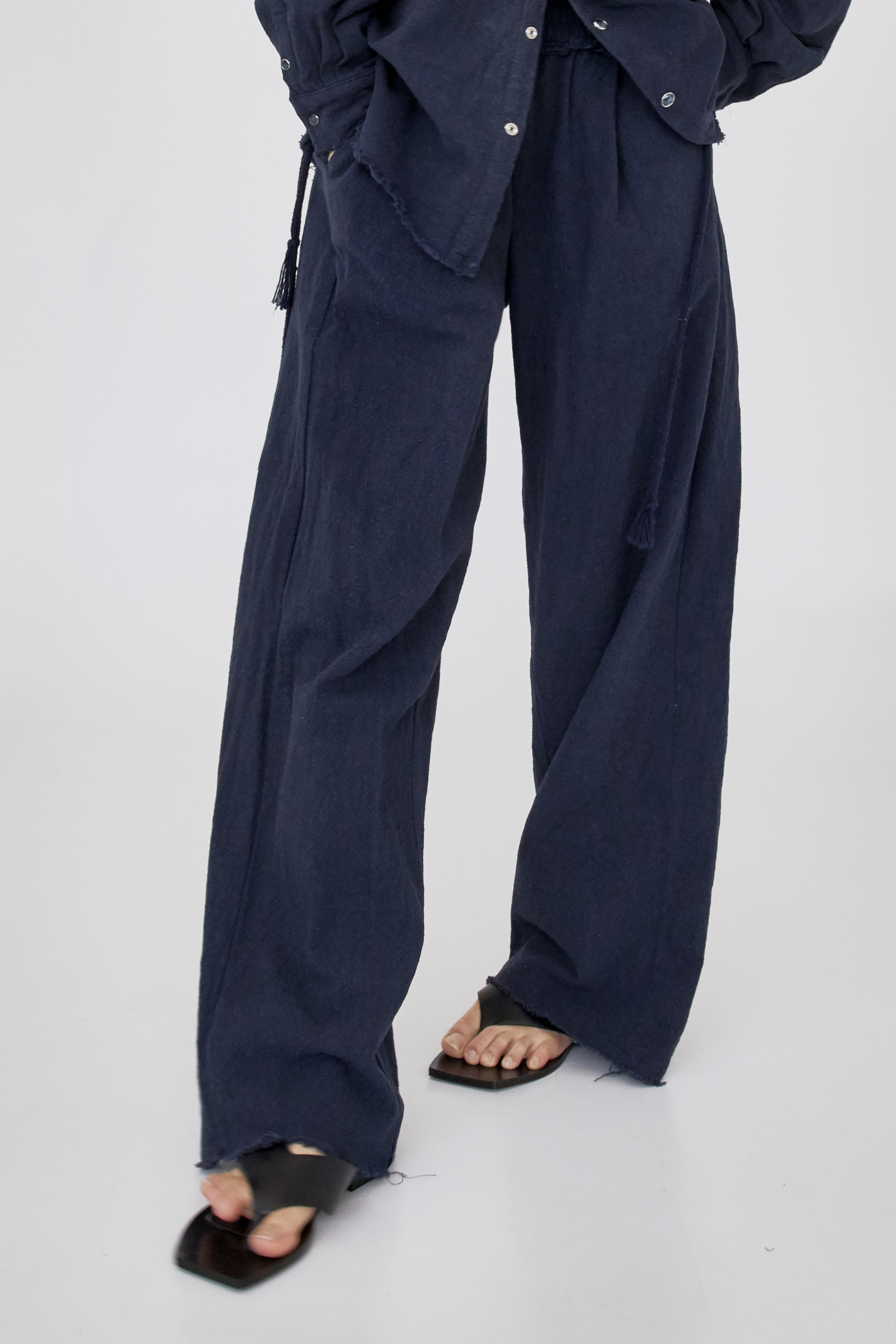 raw cut pants (navy)